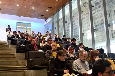 Sala de conferencias en la Biblioteca de Santiago